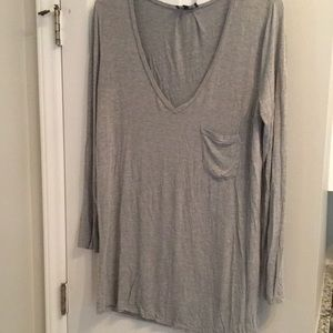 Light grey long vneck tunic